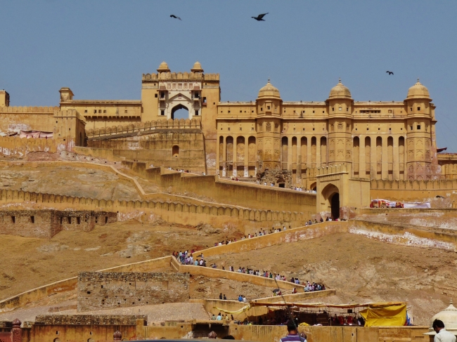VIAJE A LA TIERRA DE RAJPUTANA EN VIAJES A LA INDIA - Buteler en India