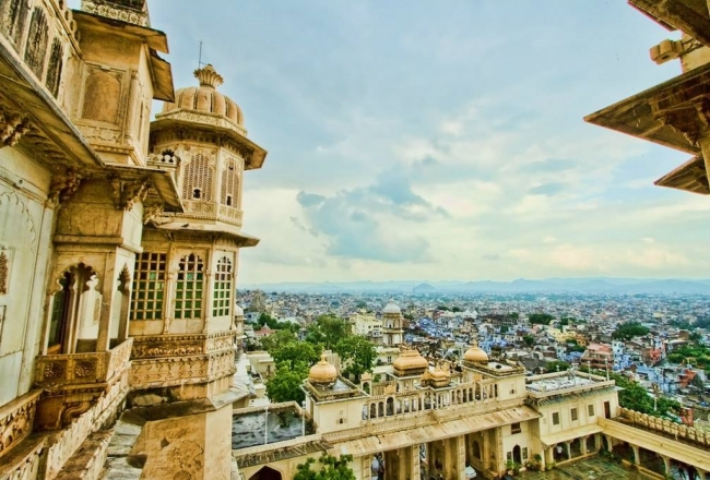 SALIDA GRUPAL A LA INDIA CON FIESTA HOLI y DUBAI - Dubái / Agra / Delhi / FATEHPUR SIKRI / Jaipur / JODHPUR / MUMBAI / Púshkar / RANAKPUR / UDAIPUR /  - Buteler en India
