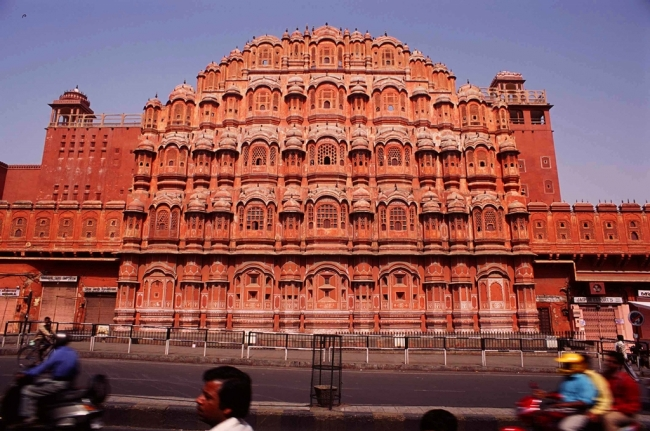 VIAJE GRUPAL A LA INDIA CON GOA DESDE ARGENTINA - Agra / Alleppey / Benarés / Cochin / Delhi / Deogarh / Goa / Jaipur / MUMBAI / RANAKPUR / UDAIPUR /  - Buteler en India